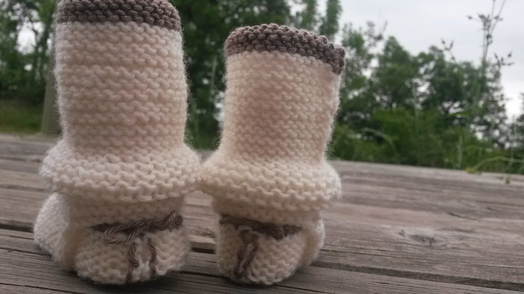 Chaussons et guêtres bébé - vue de dos