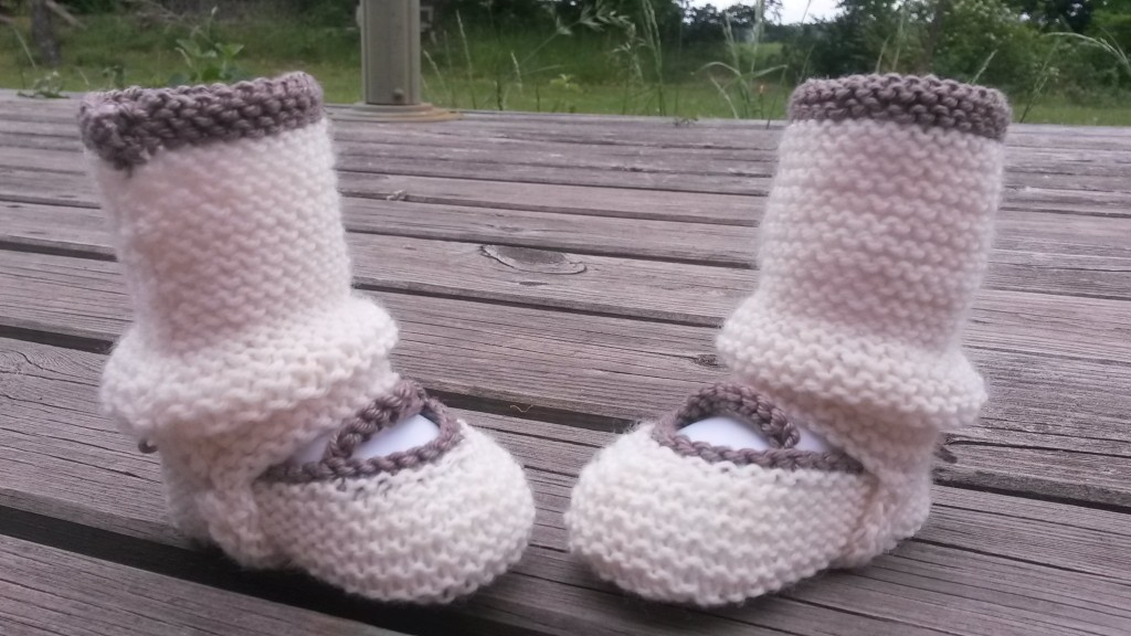 Chaussons et guêtres bébé - vue d'ensemble
