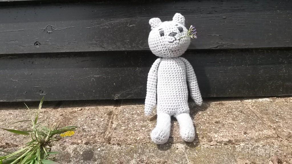 nounours au crochet - assis