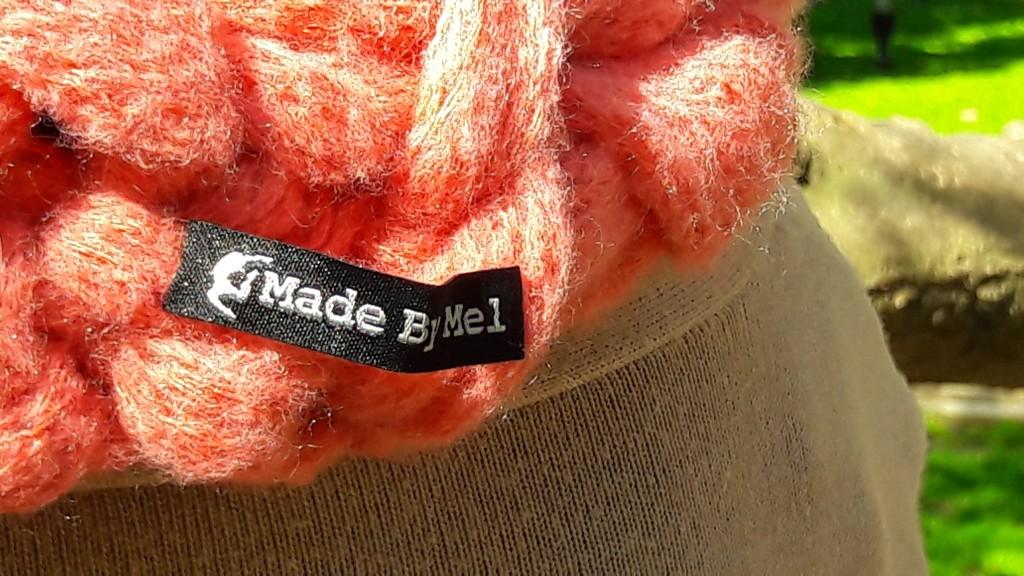 Snood tricoté avec les bras - Made By Mel