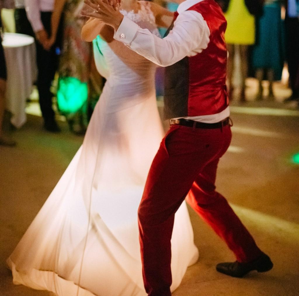DIY robe de mariée qui s'éclaire - en dansant